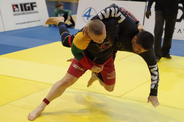 "World's first ""International Grappling Technique Demonstration Tournament"" online"